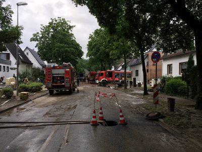 Die Feuerwehr im Einsatz in der Morper Allee in Erkrath
